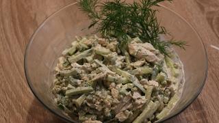 Рецепт-Салат из куриного филе с огурцом от  videokulinaria.ru