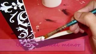 Repeat youtube video Como decorar - porta retrato de MDF com stencil