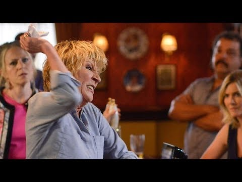 """You Stuck-Up Middle Class Cow"" Shirley's Explosive Outburst In The Vic - EastEnders (22/08/2017)"