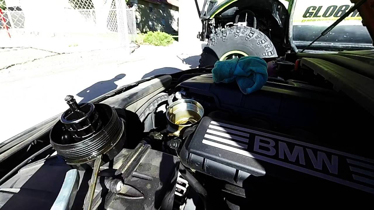 Bmw 328i Oil Filter And O Rings Replacment Youtube Housing Gasket