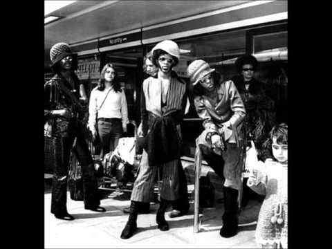 Sly & The Family Stone - Dance To The Music (Live)