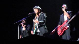 Bruno Mars, Phil Lawrence, Phredley Brown and Jamereo Artis @ HMH Amsterdam 05-07-2011