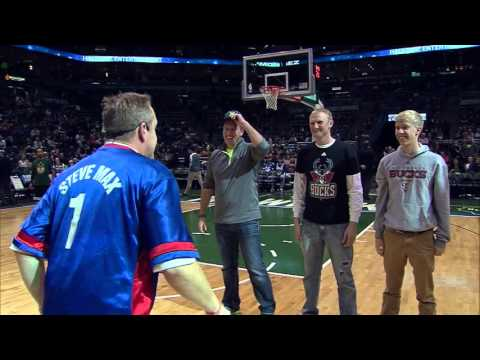 Bucks Halftime SIMON SEZ Steve Max 2015.11.25