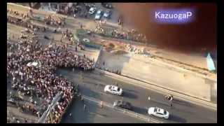 中国、反日デモで道路封鎖を破って日本車を攻撃[2012/09/15]