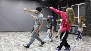ХИП-ХОП Танцы для детей #15(ХИП-ХОП Танцы для детей #15 - https://youtu.be/uv_icwzXm8M Веселый, динамичный курс для детей от 8 до 15 лет. Помогает сделать..., 2014-01-29T00:25:46.000Z)