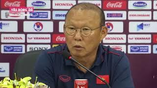 Thầy Park nói về khả năng đá chính của Công Phượng, Văn Hậu trận gặp UAE