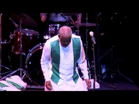 Mahmoud Ahmed & JAzmaris - Eneman Neberu (Live) Arts Centre Melbourne