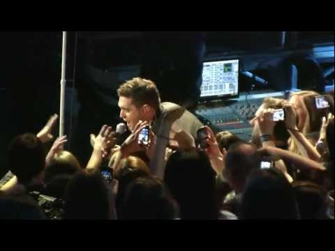 Michael Buble Let It Snow HD  in NYC December 10, 2010
