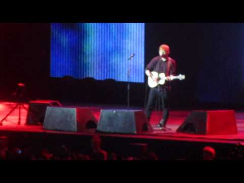 Ed Sheeran - Bloodstream live @ Ericsson Globe, Stockholm, Sweden november 12 2014