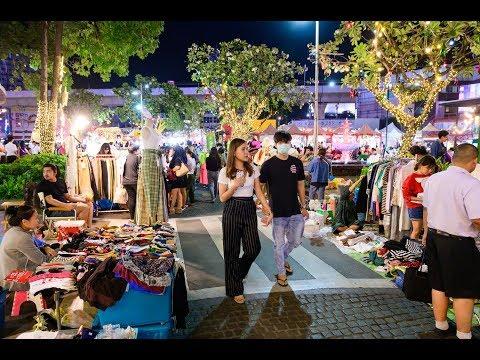 """[4K] """"Avenue Ratchayothin"""" night market from new BTS Ratchayothin station, Bangkok"""