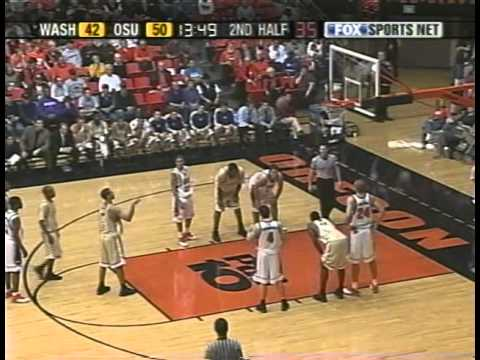 Oregon State Beavers vs Washington Huskies 2003-04 (Pac-10 Conference) - Angelo TSAGARAKIS