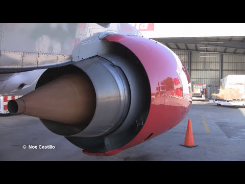 Boeing 737-300 - Walk Around,Inside the Cockpit, Push Back, Engines Start-up