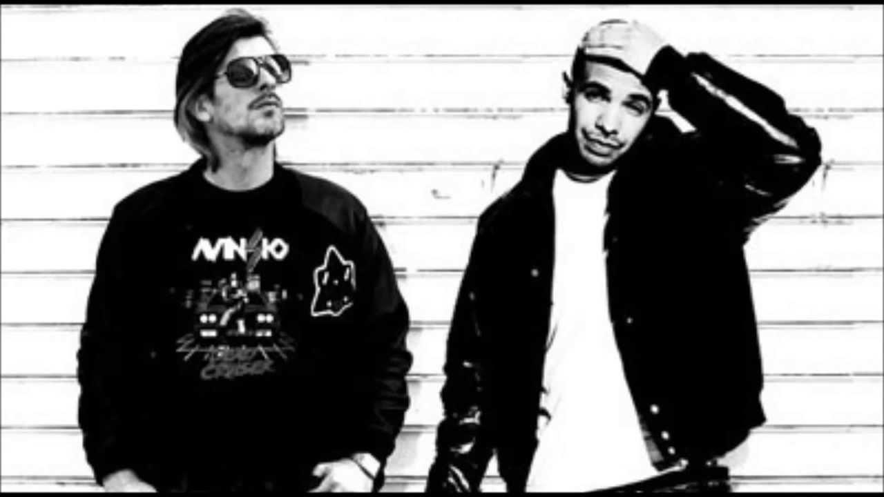 The Hood Internet - Mottovision (Drake x Kavinsky)