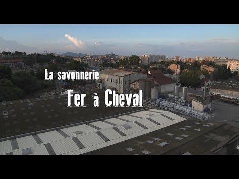 Coulisses De La Fabrication Du Savon De Marseille à La Savonnerie Fer à Cheval