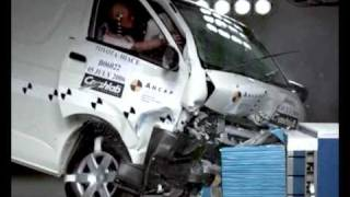 Toyota Hiace 2005 ANCAP Crash Test (3 stars)