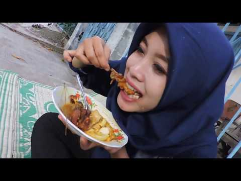Indonesia Tegal Street Food : Kupat Blengong Pak Iwan,Jl.Hang Tuah Tegal Sari//287//Seri I