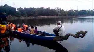 Gembira Naik Perahu Naga Di Situ Babakan