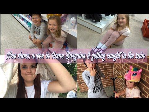 SHOE SHOPPING, HAVING A WEE IN HOME BARGAINS & GETTING CAUGHT IN THE RAIN | DAY IN THE LIFE