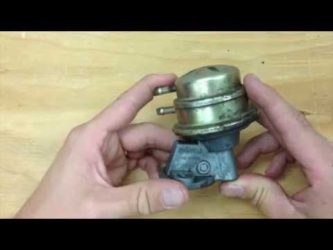How a mechanical fuel pump works (1973 Super Beetle)