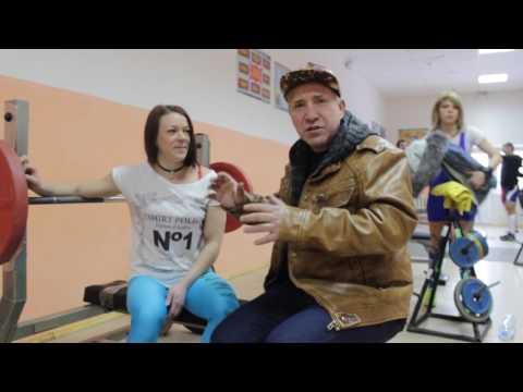 С Новым годом!  Юлия Голубева, единственная девушка-бодибилдер Красного Сулина