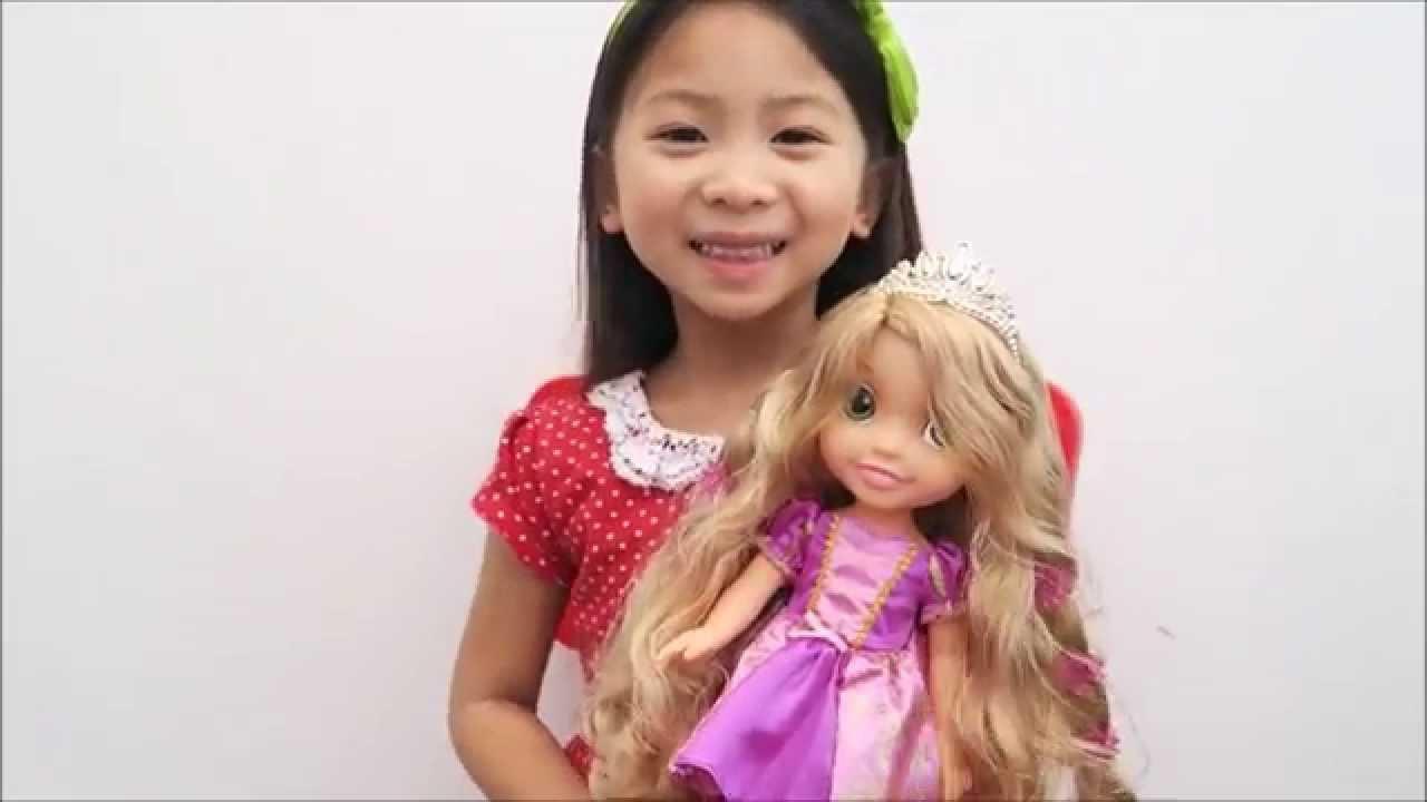 Disney Princess Hair Glow Rapunzel Doll Review