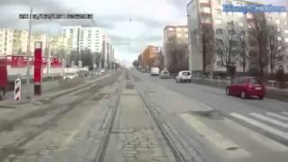 Водитель трамвая  уровень БОГ(Приветствую! Мой канал посвящен Дорожно транспортным происшествиям! Пусть это видео послужит для вас учеб..., 2015-02-11T12:23:50.000Z)