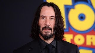 Keanu Reeves Surprises Fans While Filming Bill Andamp Ted Face The Music