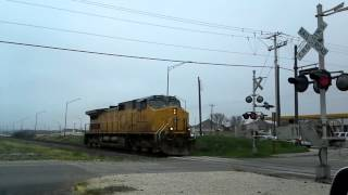 1 train engine runining very fast (Ditch Lights)