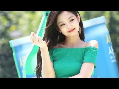 BLACKPINK's Jennie Wears Cheap Clothes but Manages to Make Them Look High-End