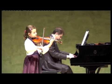 Inés Issel plays Salut d'amour op.12 by E.Elgar