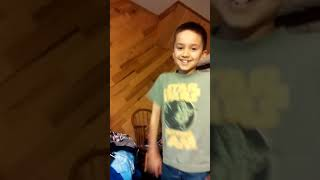 Video Cringy kid dances to some music wow download MP3, 3GP, MP4, WEBM, AVI, FLV Agustus 2018