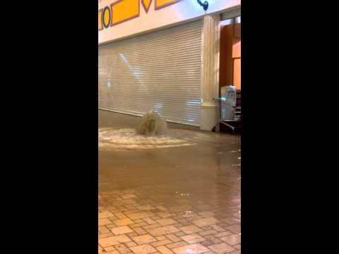 Flood in Villaggio Mall Doha Qatar 2013