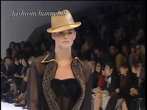 """""""Givenchy"""" Spring Summer 2001 Paris 1 of 4 pret a porter woman by FashionChannel"""