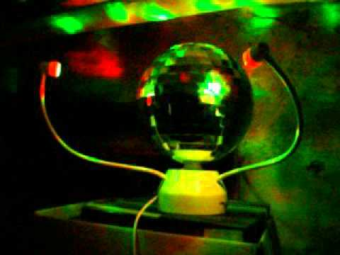 disco or not test de la boule facettes youtube. Black Bedroom Furniture Sets. Home Design Ideas
