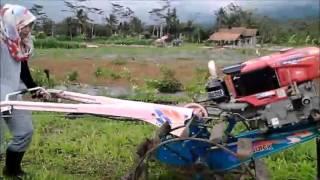 Download Video PRAKTIKUM PENGOPERASIAN HAND TRAKTOR MAHASISWA AGROTEKNOLOGI POLITEKNIK BANJARNEGARA MP3 3GP MP4