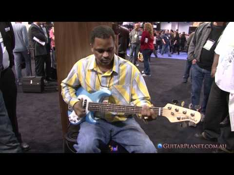 Insanely good Bass Player on a Stingray 5