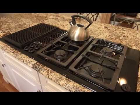 Review on Countertop Surfaces | Granite, Quartz, Corian, Laminate