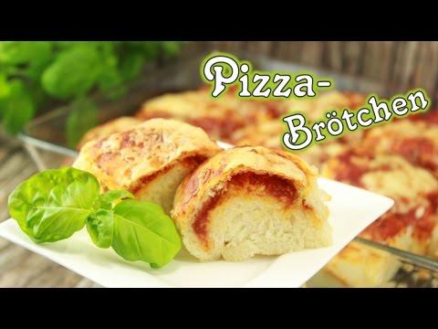 Pizza-Brötchen | Softe Brötchen mit leckerer Füllung