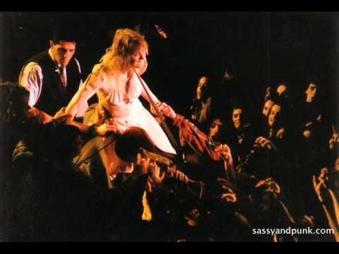 Hole - Kathleen Hanna Intro (July 15th 1993, The Clapham Grand, London UK)