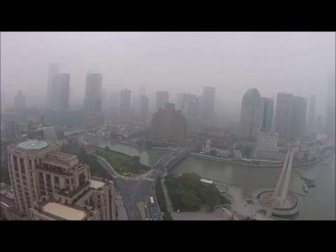 Shanghai Smog - Heavy air pollution in Shanghai during my visit in November 2015