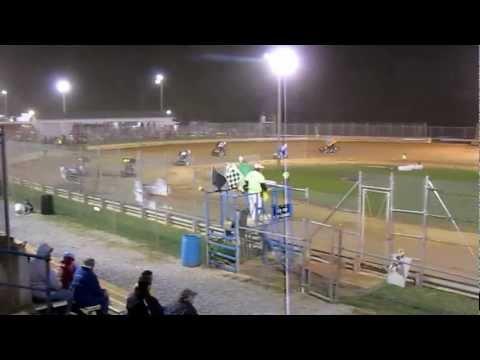 Tyler Esh's Feature Race Part 2