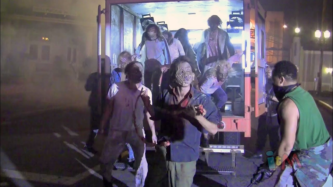 zombie van unleashes walkers on halloween horror nights 2013 at universal orlando youtube - Universal Halloween Night