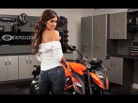 Người đẹp lột đồ cực nóng bên Moto KTM Việt Nam