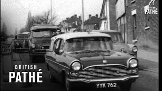 Crowded Kent Roads At Holiday Time   (1963)
