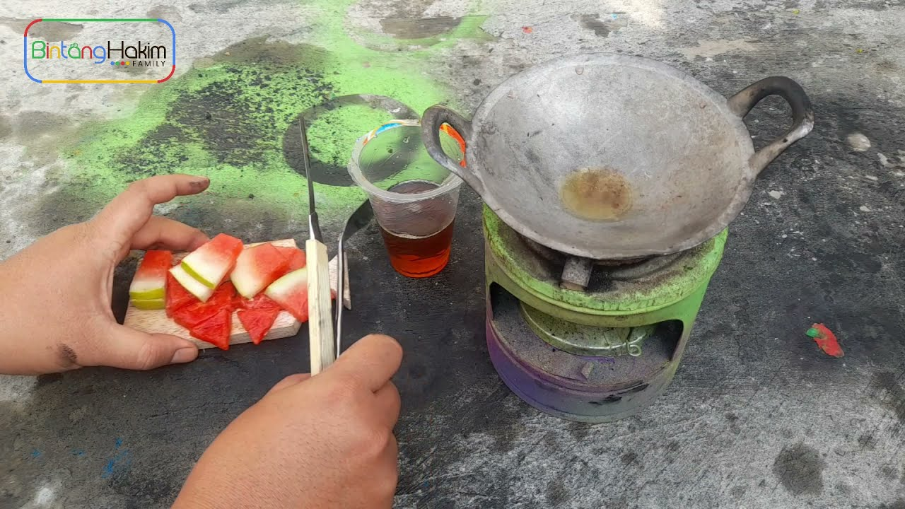 experiment: cooking watermelon in hot oil with a mini stove -part01