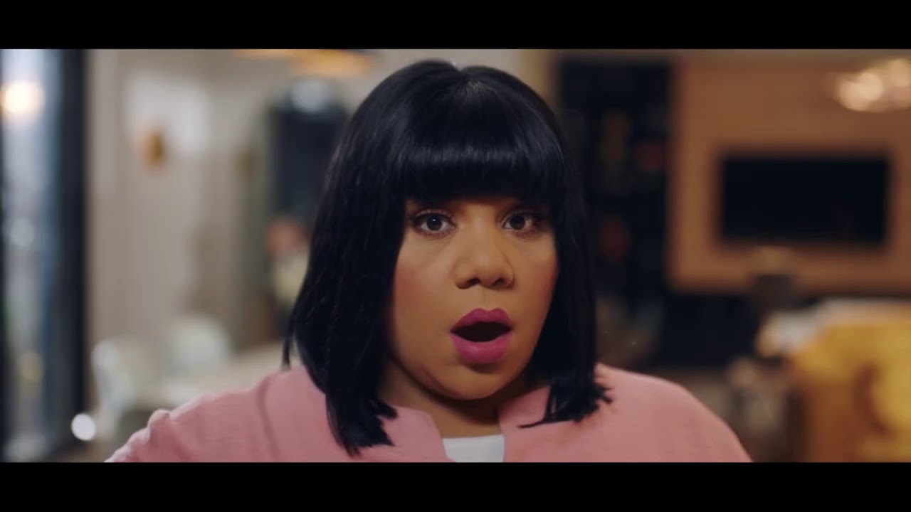 اضحك مع شيماء سيف لما هتهنج من مسلسل في بيتنا روبوت 😁😁
