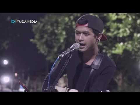 Tuhan Jagakan Dia - Motif Band Cover di Taman Kucing Malang