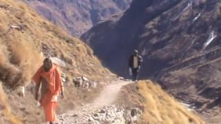 माणा और बालाकुण्ड पर्वत शिखर के मध्य का सौन्दर्य बद्रीनाथ , हिमालय !