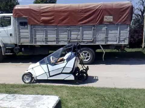 auto de tres ruedas para dos personas motor de 50 cc echevarriahugo youtube. Black Bedroom Furniture Sets. Home Design Ideas