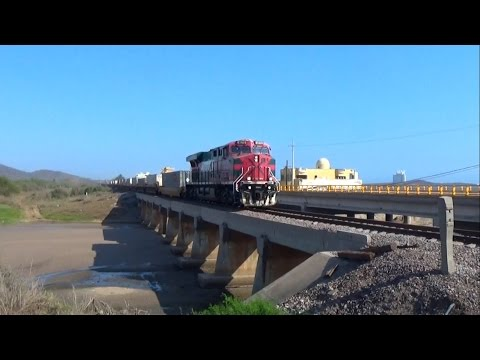 Trenes Ferromex en Mazatlan distrito Sufragio II